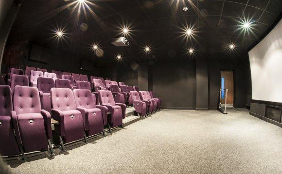 Two-screen cinema