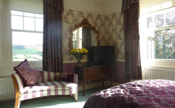 Room at Sevenford House Bed