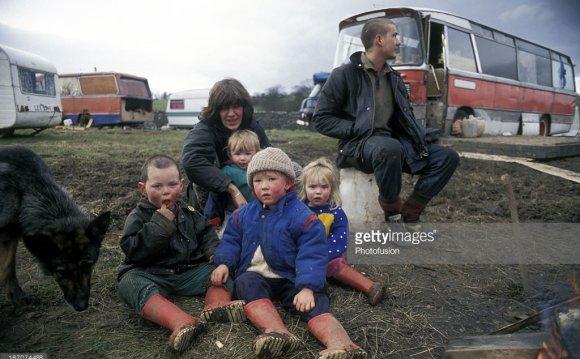 On temporary caravan site