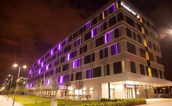 Premier Inn Glasgow Pacific