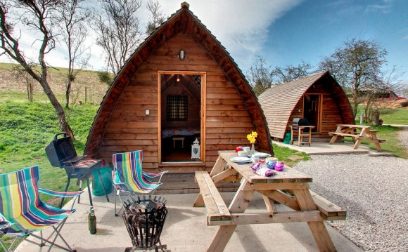 Campsites With Pubs In The